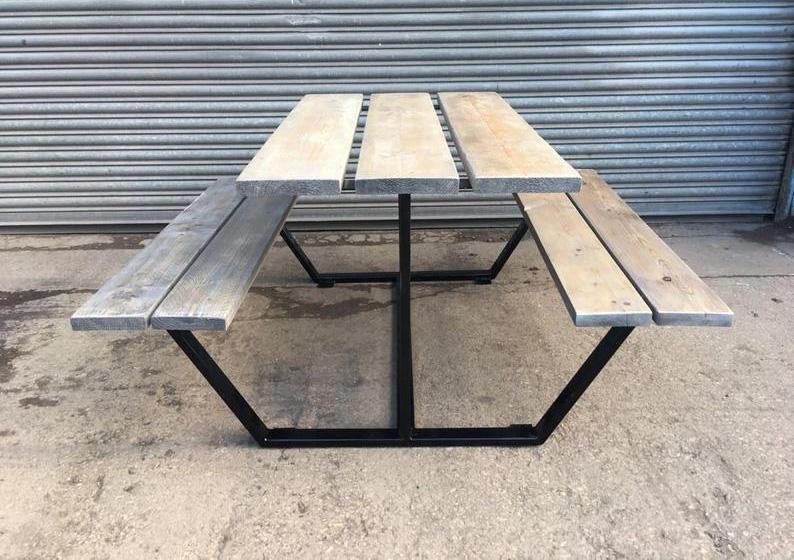Table pique-nique acier bois